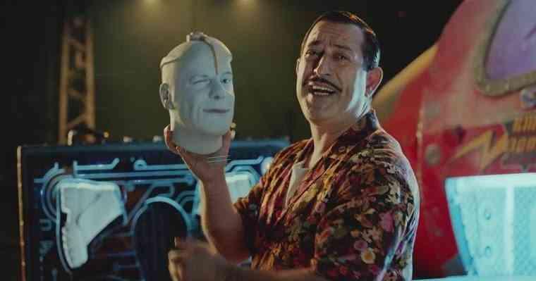 Cem Yılmaz'ın Arif V 216 Filmindeki Enfes Göndermeler - Geekrobats