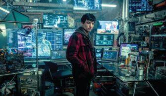 Ezra Miller The Flash Rolünü Bırakacak Mı?